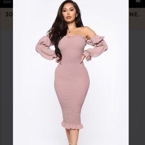 Soft lover smocked midi dress  👗❤️